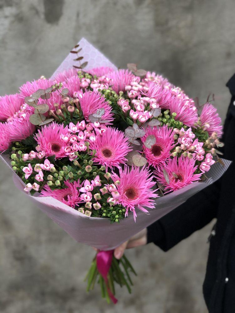 Ziedu pušķis CAPRISE