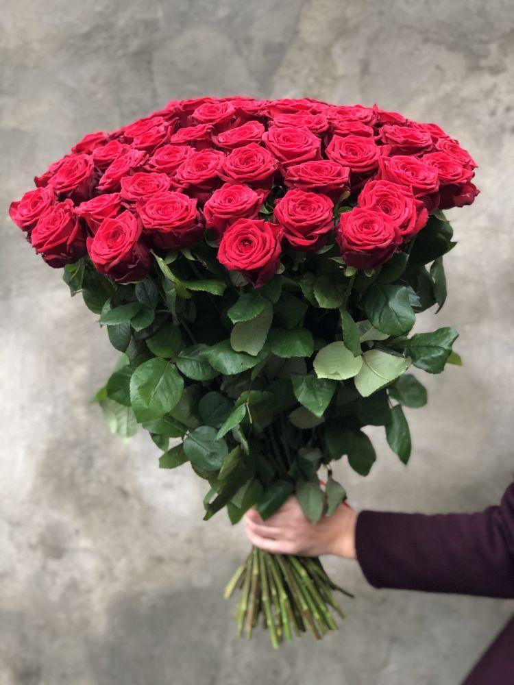 Букет из роз RED NAOMI EXTRA
