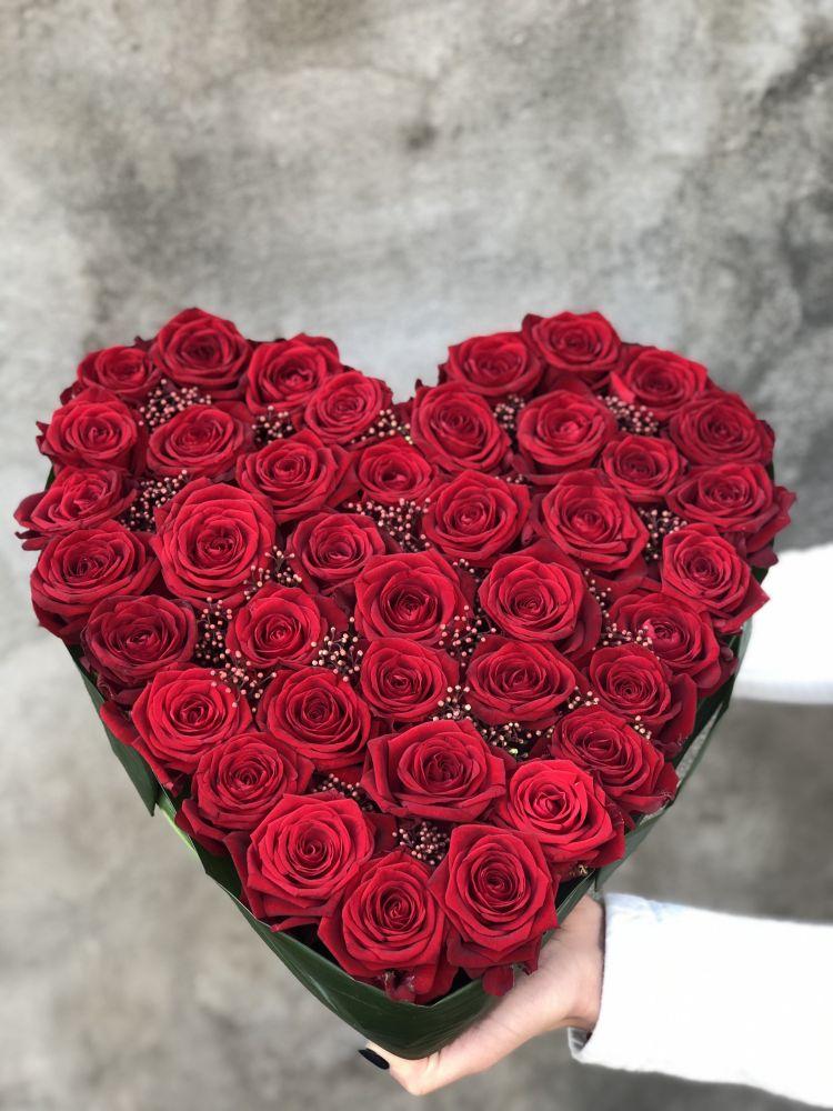 Ziedu kompozīcīja LOVE
