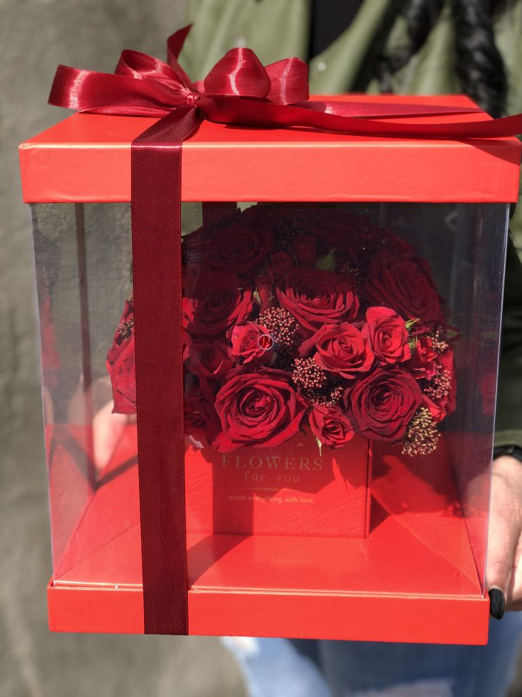 Ziedu kaste LADY RED