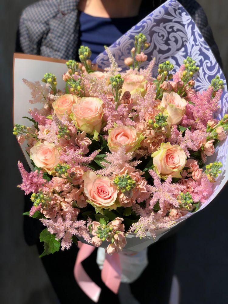 Ziedu pušķis LIGHT APRICOT